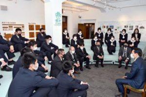 春高バレー健闘誓う 佐賀学園と佐賀清和、知事を訪問