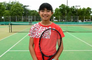 田嶋さん(外町小6)テニスで九州V 5歳からテニスに熱中 8月の全国大会へ