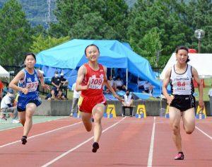 徳永(鏡3年)、県新でV 女子100 松本(諸富3年)は11秒14で制す 男子100